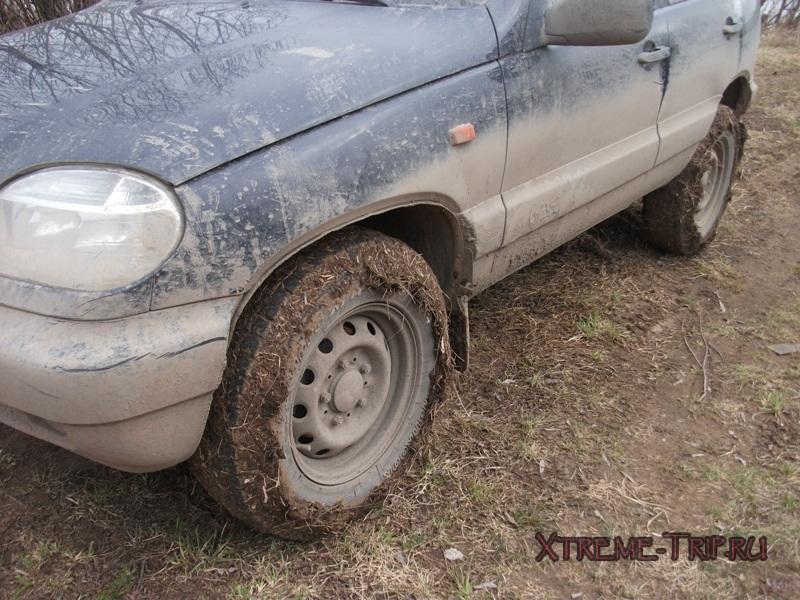 грязь и трава на колесах