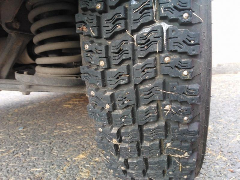 Шипованные шины на ниву